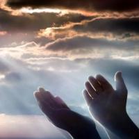 Кои са трите най-важни стъпала на правилната молитва?